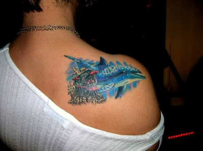 Значение тату дельфин у девушек